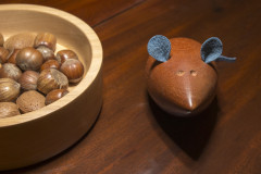 Dark Mouse with nut bowl 2
